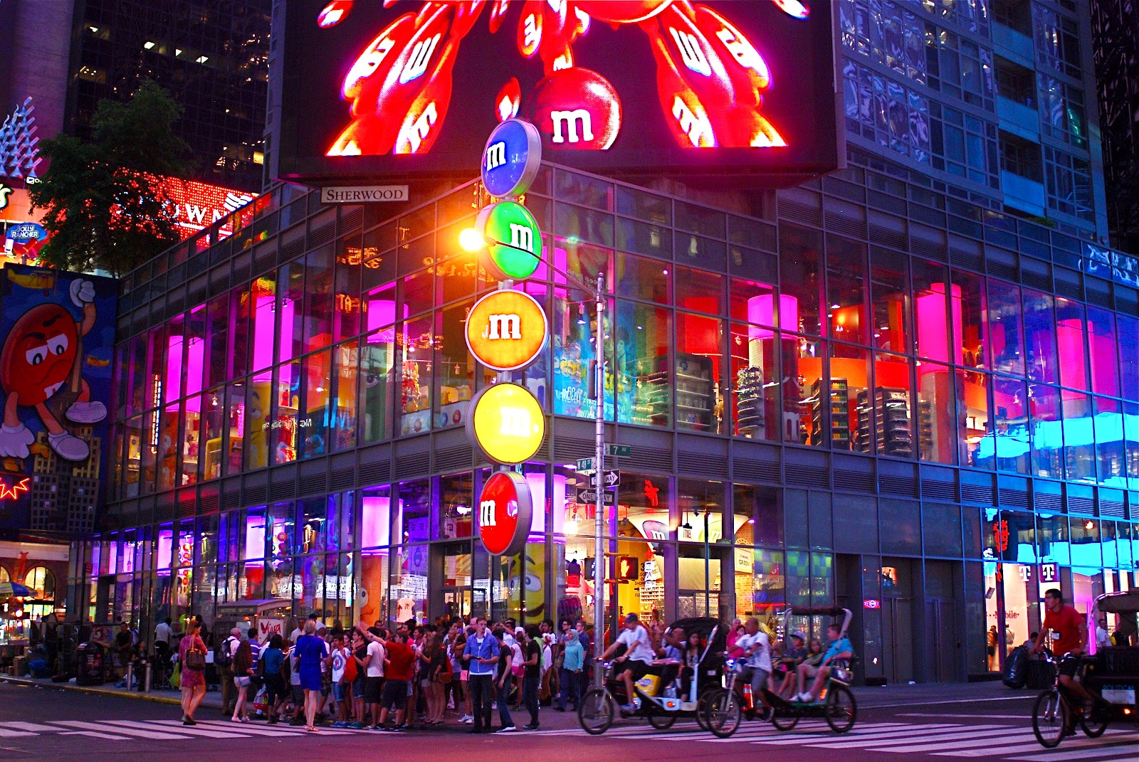 9 activities new yorkers insist you avoid in times square for Activities to do in ny
