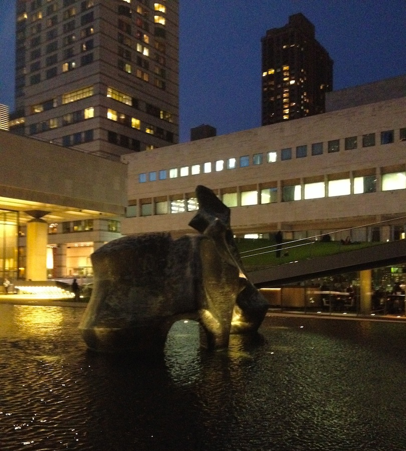 lincoln-center-reflecting-pool-statue
