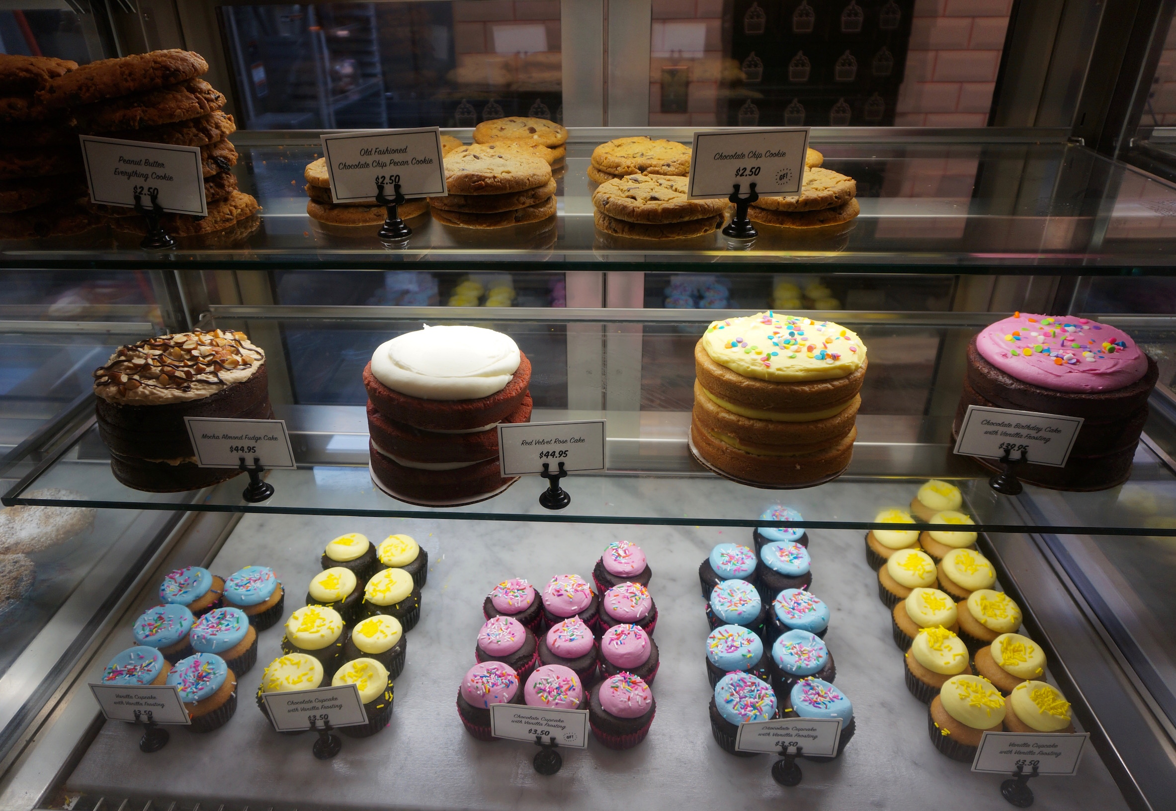 New York Cliché of the Day  NYC Vegan Bakery Sweets by CHLOE - New ... 947731eaf3cf