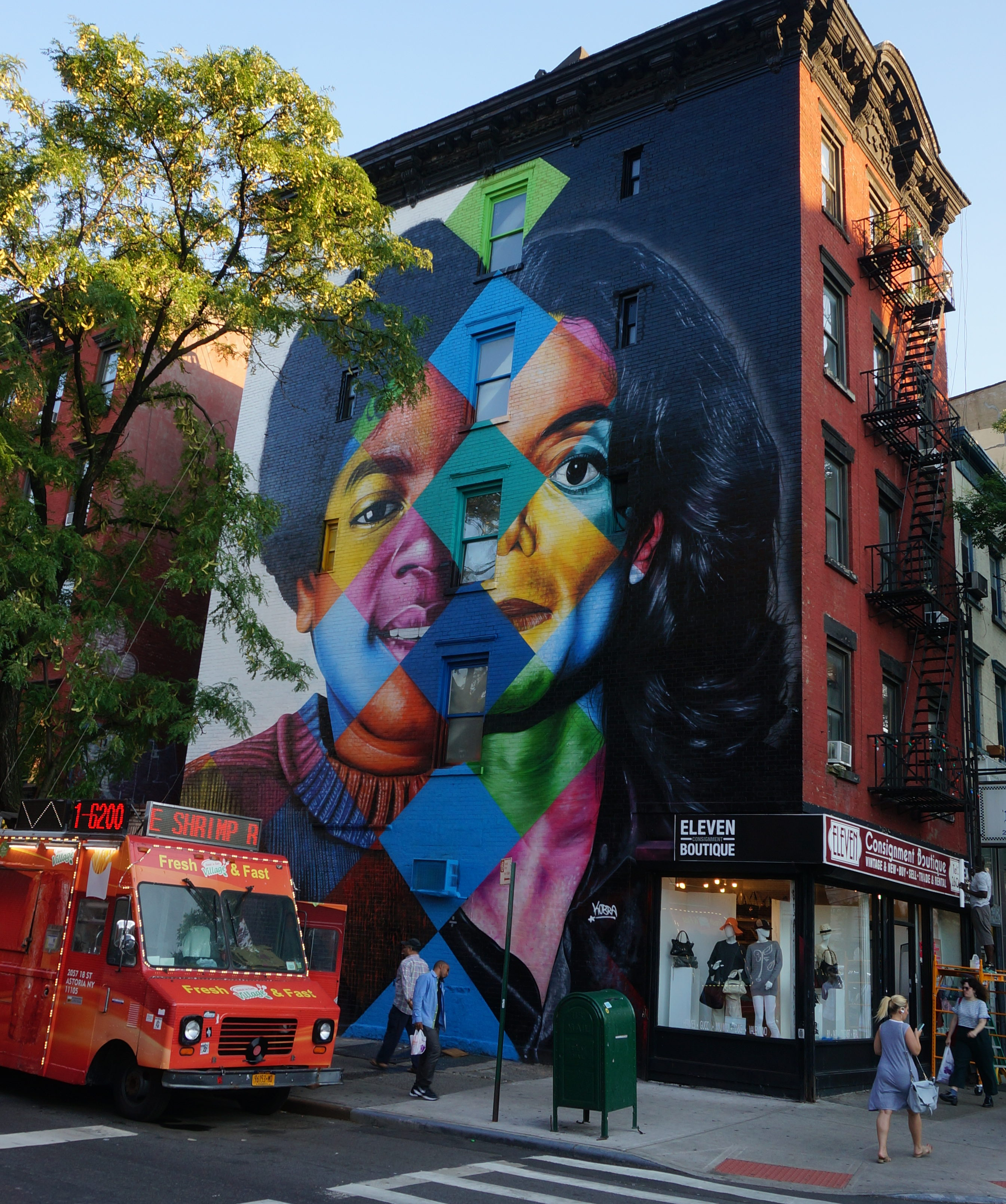 New York's Most Instagrammable Walls and Street Art ... |Nyc Street Art